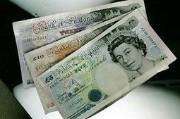 После решения Банка Англии обвалился фунт стерлингов