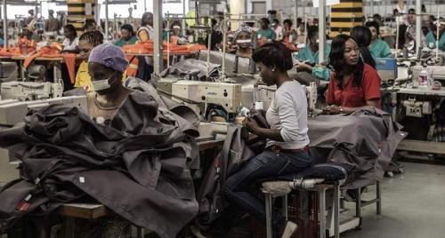 Швейное производство в Эсватини.