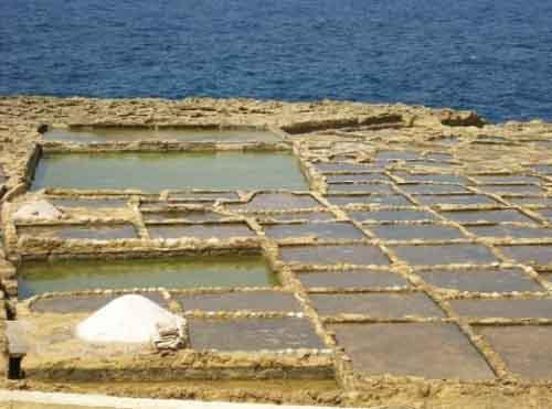 Добыча соли на Мальте