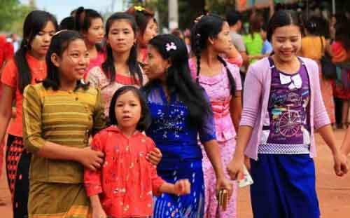 Жители Мьянмы