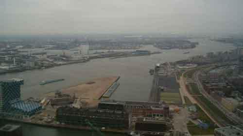 Вид на порт Роттердама