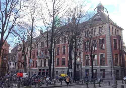Здание Амстердамской фондовой биржи